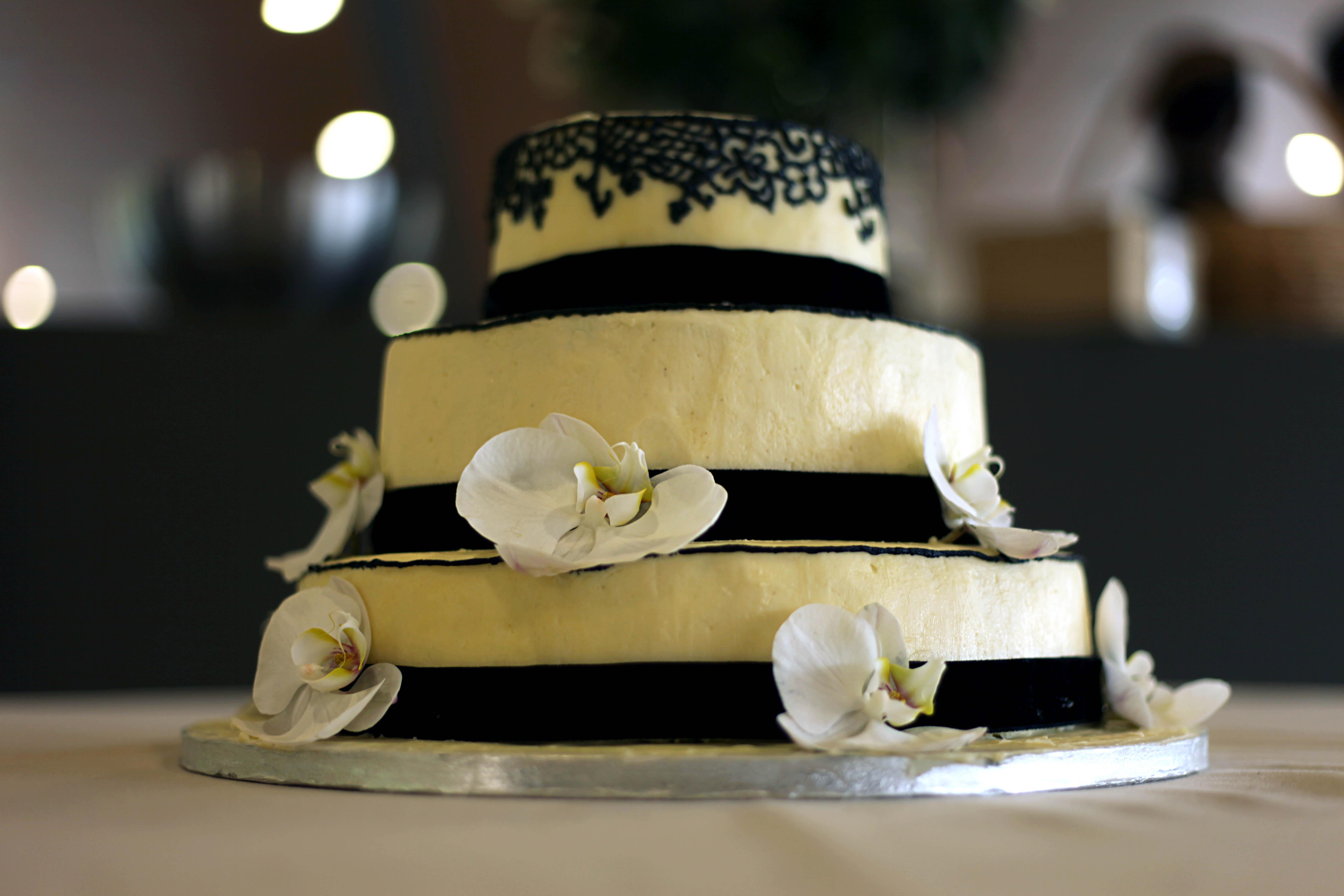 Thawing Wedding Cake
